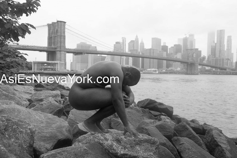 Brooklyn, ciudad de Nueva York - Modelo desnudo.  Foto por Javier Soriano/JavierSoriano.com