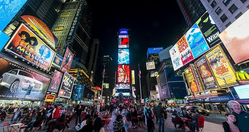Times Square, New York City. Foto por Chensiyuan/Wikipedia.org
