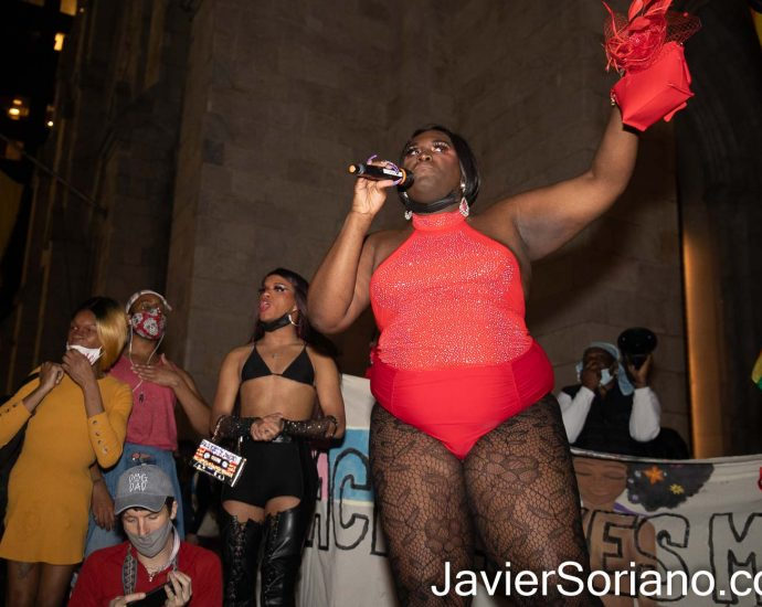 Jueves 11 de marzo de 2021. Ciudad de Nueva York - Marcha en apoyo a la descriminalización del trabajo sexual en el estado de Nueva York. Manifestantes marcharon del bar Stonewall Inn a la Catedral de San Patricio en el condado de Manhattan. Foto por Javier Soriano/www.JavierSoriano.com