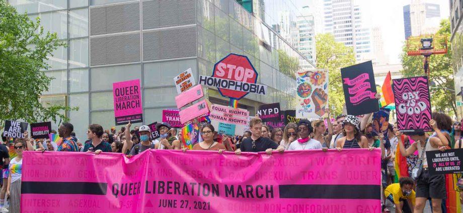 Sunday, June 27, 2021. Manhattan, New York City - Third Annual Queer Liberation March organized by Reclaim Pride Coalition (RPC). Domingo 27 de junio de 2021. Manhattan, Ciudad de Nueva York - Tercera Marcha Anual Por La Liberación Queer (QLM) organizada por Reclaim Pride Coalition (RPC). Foto por Javier Soriano/JavierSoriano.com